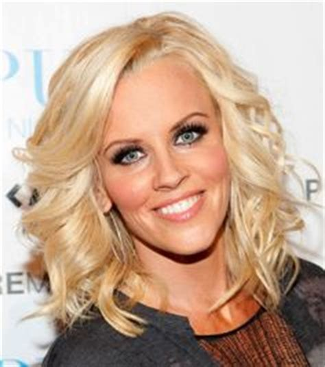 does jenny mccarthy eye color jenny mccarthy engaged to donnie wahlberg announces happy