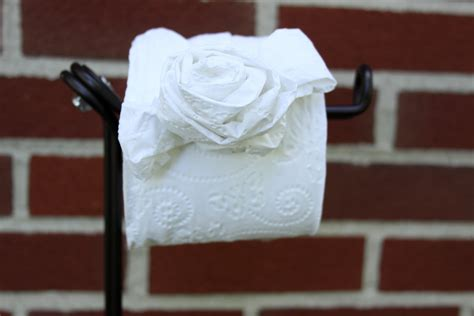 How To Make Toilet Paper Roses - diy toilet tissue origami crafts