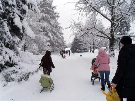 imagenes de invierno con personas invierno caminatas educaci 243 n global para una nueva humanidad
