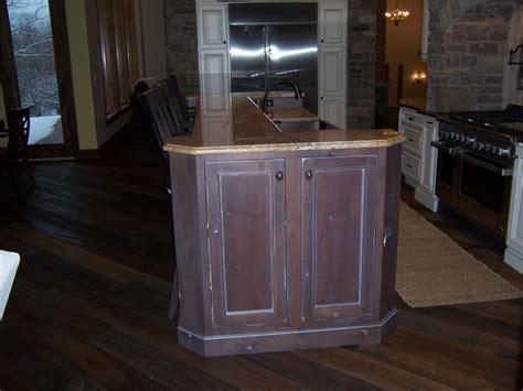 bertch custom woodbridge inset door style rustic alder