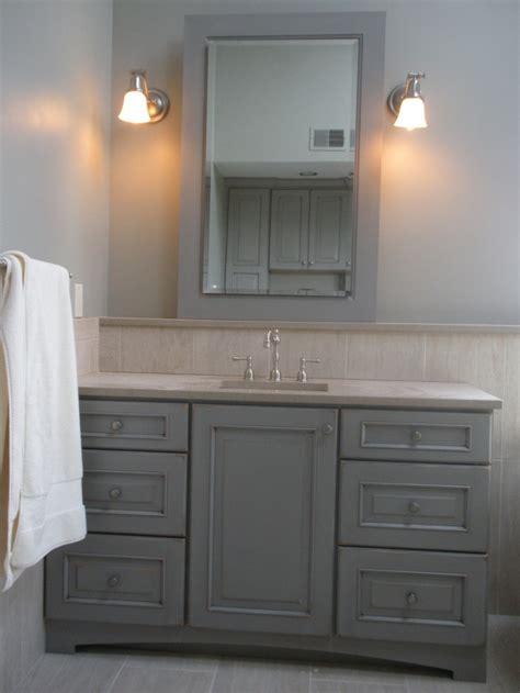 bathroom vanities colonial style