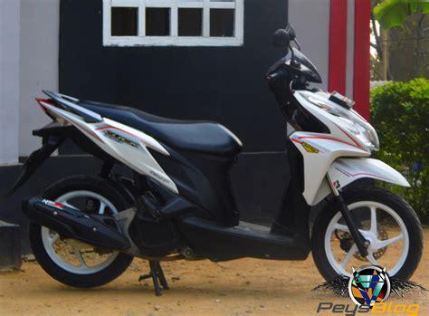 Vario 125 Putih 2015 modifikasi motor vario 125 velg 14 terupdate