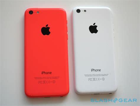 iphone  hands  slashgear