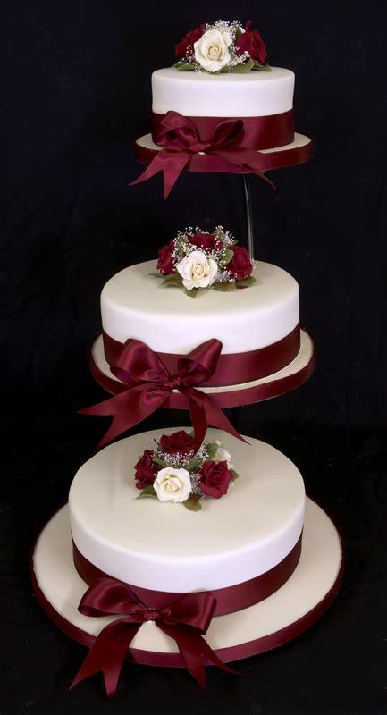 three wedding cake tiers   Sang Maestro