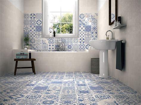 idee per piastrellare un bagno pi 249 di 25 fantastiche idee su piastrelle per bagno su