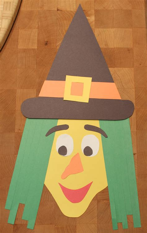 Toddler Paper Crafts - construction paper witch kidlist activities