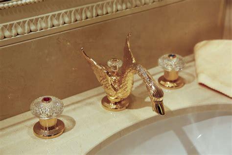 rubinetti di lusso la rubinetteria di lusso dell hotel ritz a parigi
