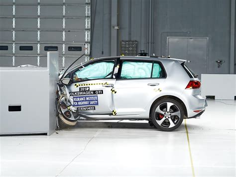 si鑒e auto crash test 2015 volkswagen gti driver side small overlap iihs crash