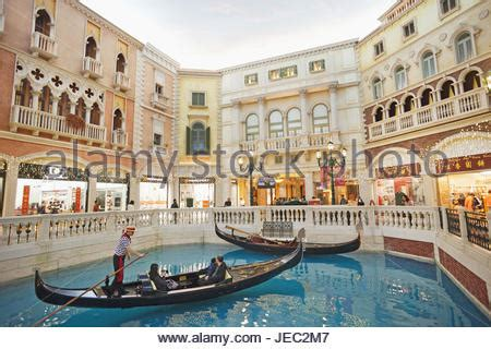 grand canal shoppes at the venetian hotel and casino