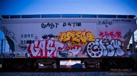 graffiti mural art  oakland