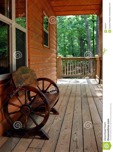 rustic wagon wheel bench rustic wagon wheel bench stock image image 3063071