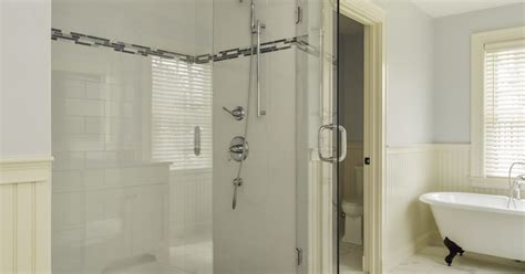 How To Clean Mould From Aluminum Shower Doors Ehow Uk Best Thing To Clean Glass Shower Doors