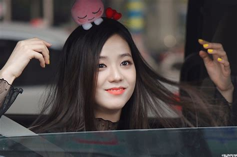 blackpink s jisoo spotted wearing this ridiculously cute