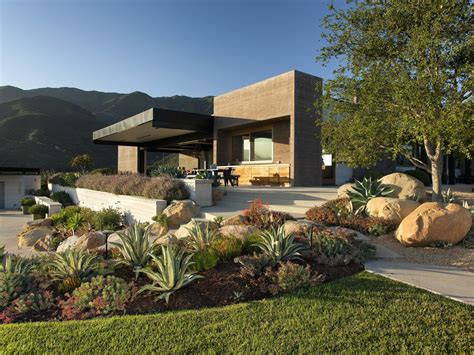 Simple Four Bedroom House Plans by A Modern Architectural Masterpiece In California