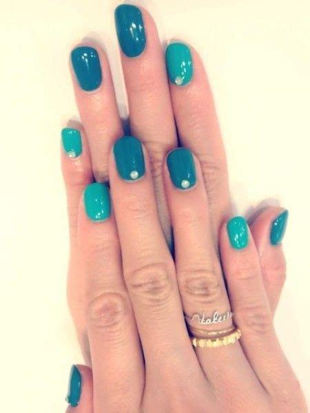 one finger nail different color pictures oltre 25 fantastiche idee su unghie color pesca su