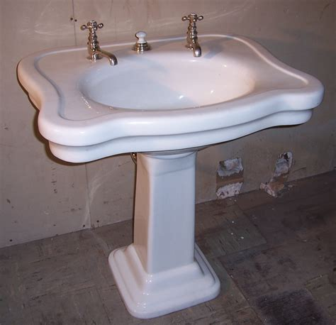 retro bathroom sinks pedestal sinks vintagebathroom