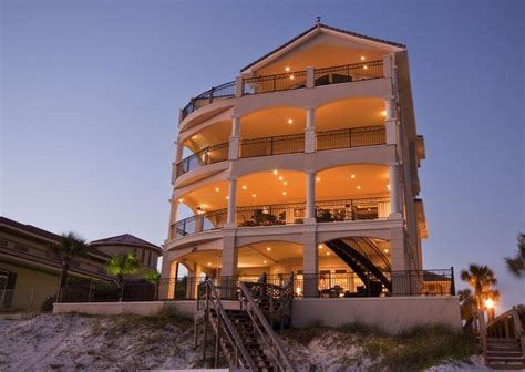 vacation rental homes in destin fl 25 best ideas about destin house rentals on