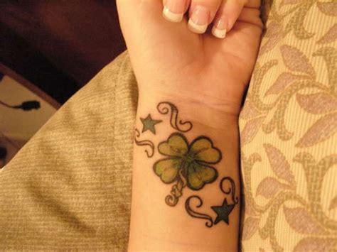 leaf tattoo on wrist 43 awesome leaves wrist tattoos