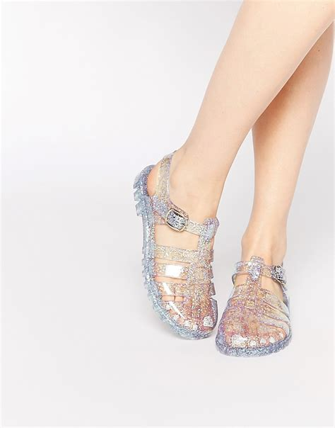 Sandal Jelly 2 jelly sandals are back and here s where to get them