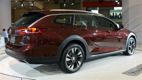 New Buick Regal 2018 by 2018 Buick Regal Tourx New York 2017 Photo Gallery Autoblog
