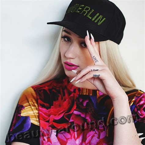 iggy azalea arm tattoo iggy azalea reveals pictures to pin on tattooskid