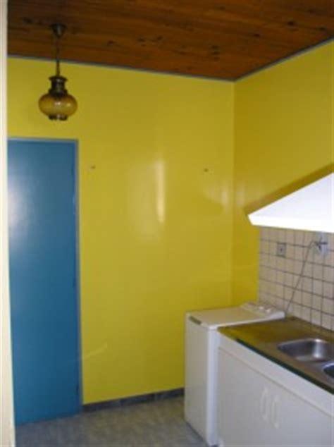 peinture brillante pour cuisine oser le deux tons en peinture ou papier peint entreprise