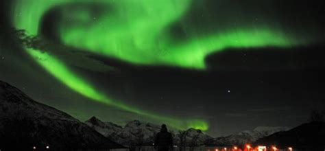 Northern Lights Cahaya Kutub Nora serbia aman dari efek badai matahari republika