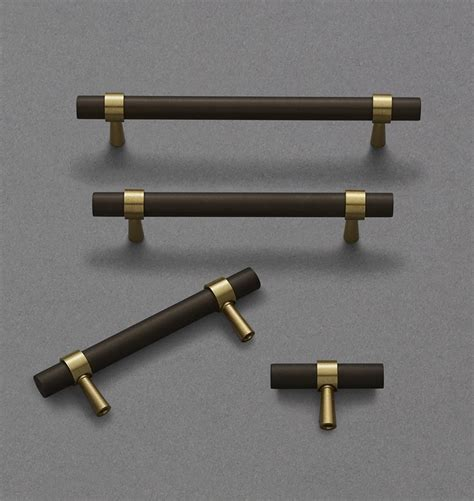 Kitchen Cabinet Door Handles Uk by Best 25 Brass Cabinet Hardware Ideas On Pinterest