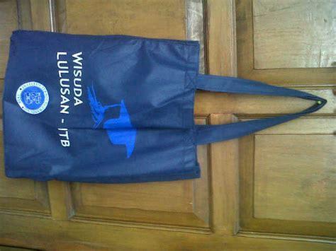 Ap02 Tas Paperbag 15 X 6 X 18 Cm goodie bag leo production