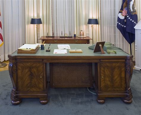 An Exhibit Of The Oval Office Of The White House As It Was White House Oval Office Desk