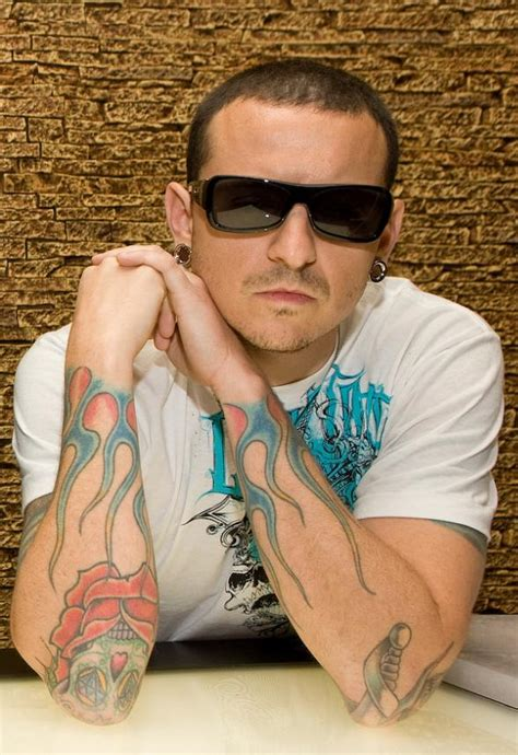 linkin park singer chester bennington opens club tattoo at