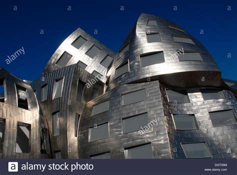 new lou ruvo brain institute designed by architect frank o