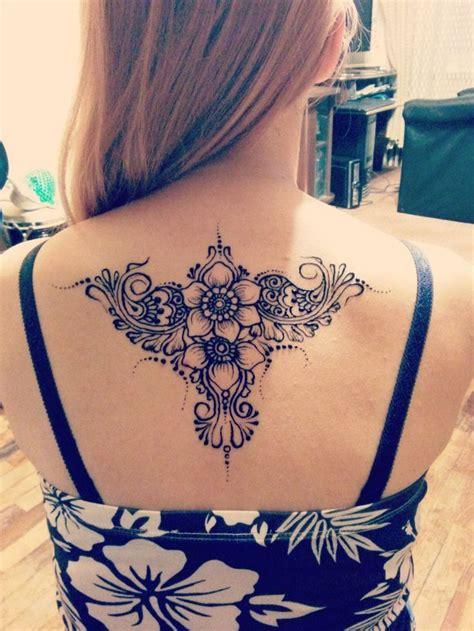 tattoo punggung 71 best ideas about henna bovenlichaam on pinterest