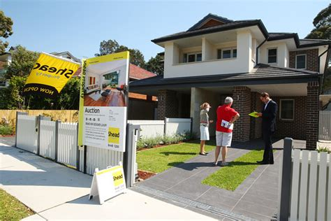 buying a house in sydney australia australia is worried too many chinese are buying homes there china real time report