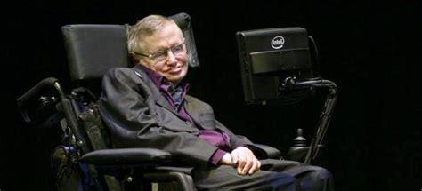 cientifico en silla de ruedas el cient 237 fico stephen hawking participa en la presentaci 243 n