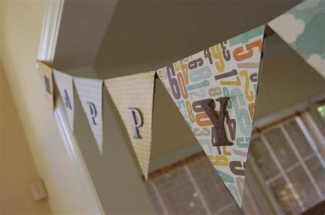 How To Make Bunting With Paper - how to make a paper bunting