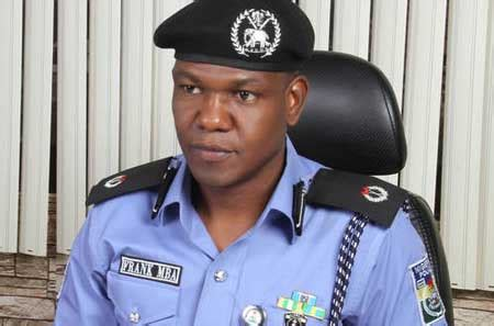 Mba In Banks 2015 by Foil Bank Robbery In Lagos Recover N27m Weapons