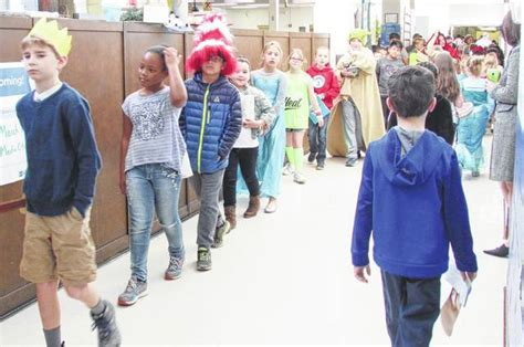 Character Parade Letter Elkin Elementary School Students Hold Favorite Book Character Parade The Elkin Tribune