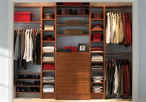 Kleiderschrank Organisieren by Offener Kleiderschrank 39 Beispiele Wie Der