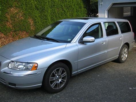 volvo station wagon 2007 2007 volvo v70 2 5t wagon price esquimalt view