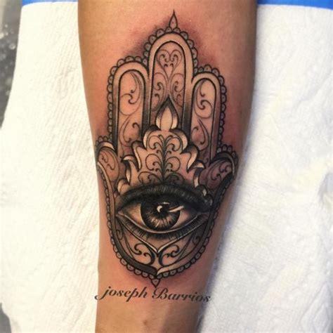 tattoo hand von fatima hamsa die hand der fatima tattoo bedeutung 30 ideen