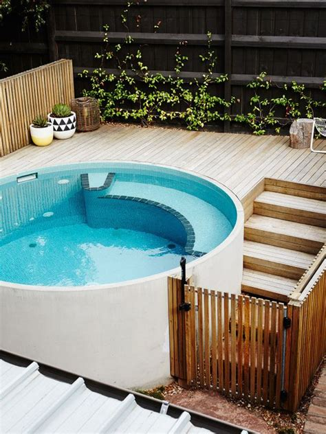 The Best Swimming Pool Designs For Small Backyards Backyard Plunge Pool