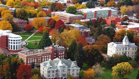 Where Do Mba Stuents Live In Eugene Oregon by The 50 Best College Towns In America Best College Reviews
