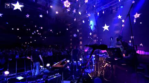 coldplay stars coldplay a sky full of stars in concert for radio 2
