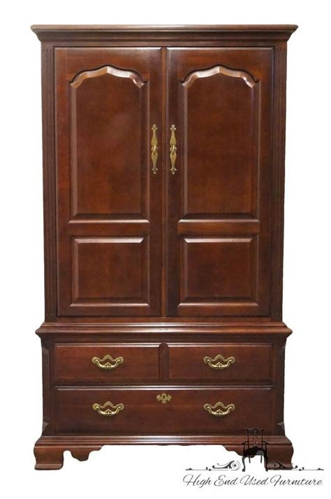thomasville tv armoire thomasville collectors cherry 41 media tv armoire 10111 336 ebay