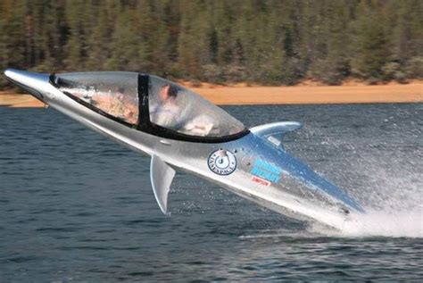 jet ski boat thing dolphin boat thing goes underwater and about as fast as a