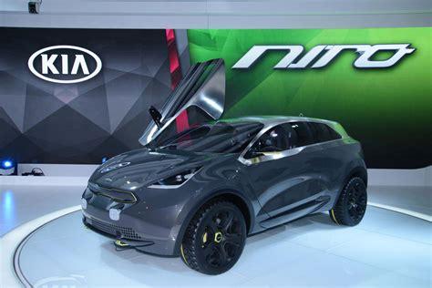 Kia Concept Car 2015 Kia Soul Ev Refreshed Optima Hybrid Make Chicago