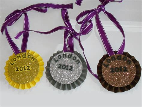 Handmade Medals - make your own medals out of paper