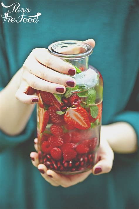 Does Pomegranate Juice Detox by Strawberry Raspberry Pomegranate Infused Water Recipe