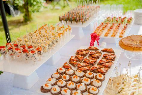 tavoli da buffet come allestire la tavola per un buffet in giardino